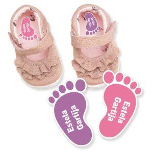 Etiquetas para zapatos con forma de pie